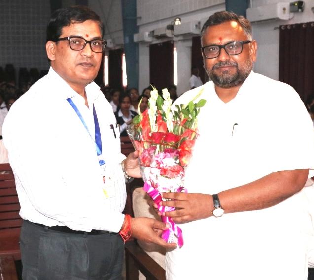 Induction cum Valedictory :Registrar Dr. V K Singh  Felicitating Hon